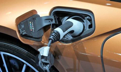 instalación de punto de recarga para coche eléctrico