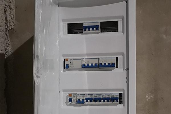 normativa de la instalación cuadro eléctrico vivienda